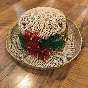 Women's straw hat with poinsettia detail